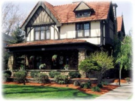 Photo of Victorian Tudor Inn Bellevue