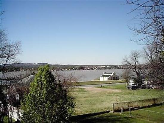 Photo of Arbor House Bed and Breakfast Inn Granbury
