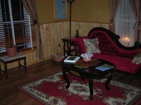 Blue Ridge B and B: Interior Lobby
