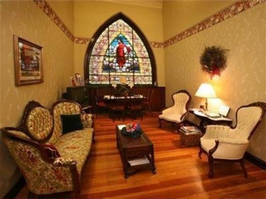 Christopher's Bed and Breakfast: Interior Lobby