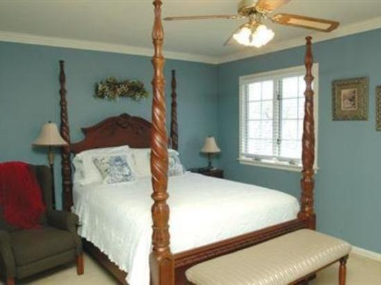 Blue Heron B&B : Guest Room -OpenTravel Alliance - Guest Room-
