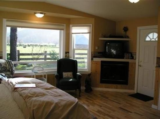 Miller Tree Inn Bed & Breakfast: Guest Room (OpenTravel Alliance - Guest room)