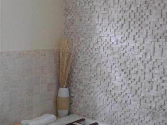 Anastasia's Bed & Breakfast: Bathroom -OpenTravel Alliance - Guest Room Amenity