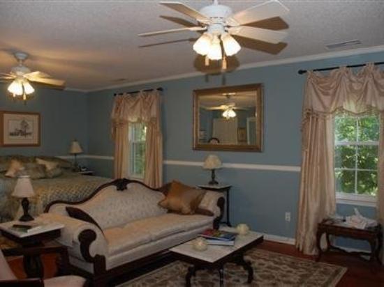Duncan Hill Inn: Guest Room