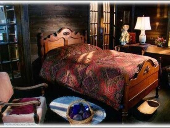 Pointe Aux Pins, MI: Guest Room