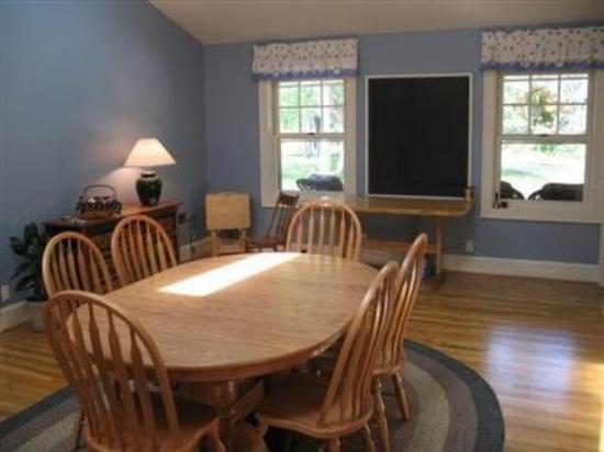 Country Comfort Bed & Breakfast: Dining Room