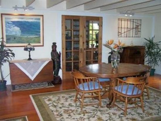 Aloha Happy Place: Interior Dinning Room