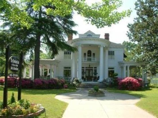 Photo of Breeden Inn Bed and Breakfast Bennettsville