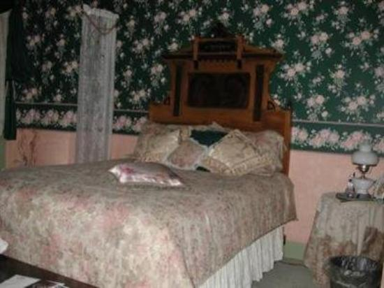 Rocking Horse Inn: Guest Room
