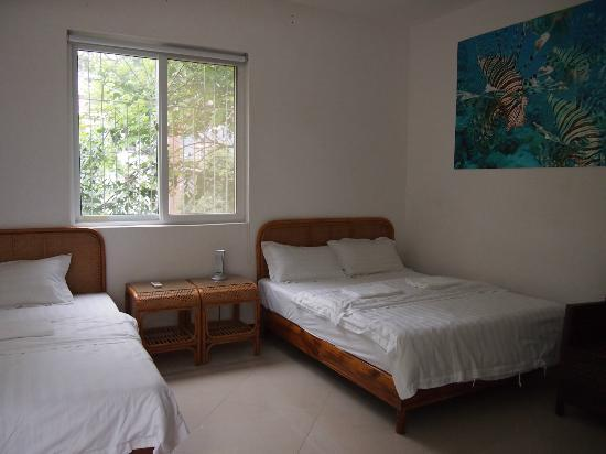 Sanya Backpackers: Spacious deluxe family room