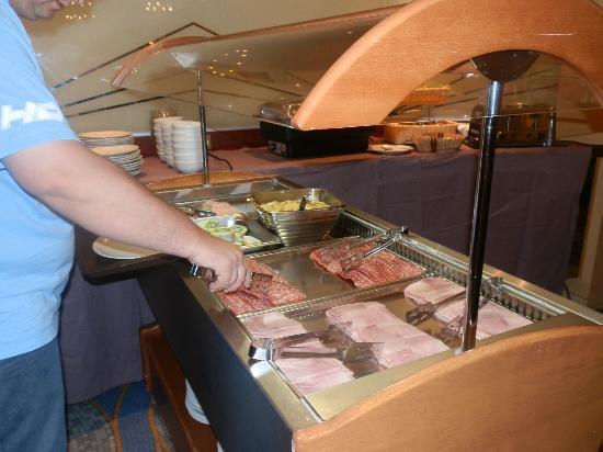 Hotel Carlton's: Café da manhã