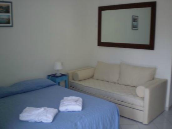 Cala Cavone Resort: camera