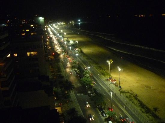 Caesar Park Rio de Janeiro Ipanema Managed by Sofitel: Vista nocturna desde la habitación