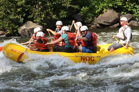 Nantahala Outdoor Center : Out on the Upper Pigeon River with NOC