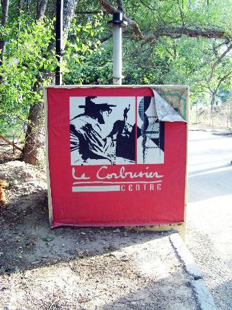 ‪‪Chandigarh‬, الهند: Le Corbusier Centre sign outside