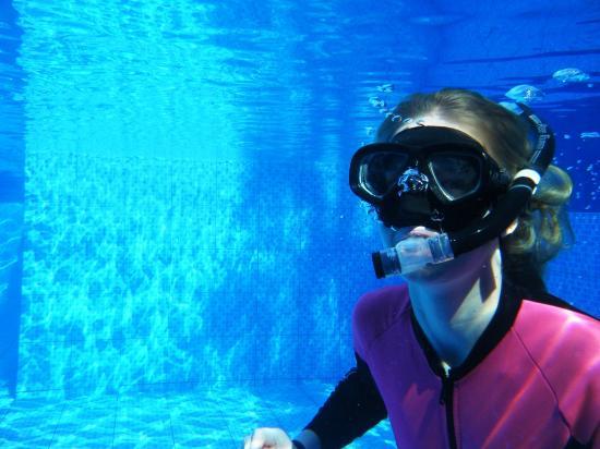 Bahia Pez Vela Resort: Lecciones de Buseo en nuestra Piscina