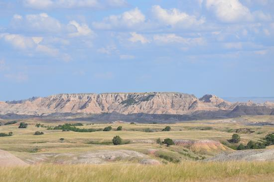 Circle View Guest Ranch: view from front of home. Badlands