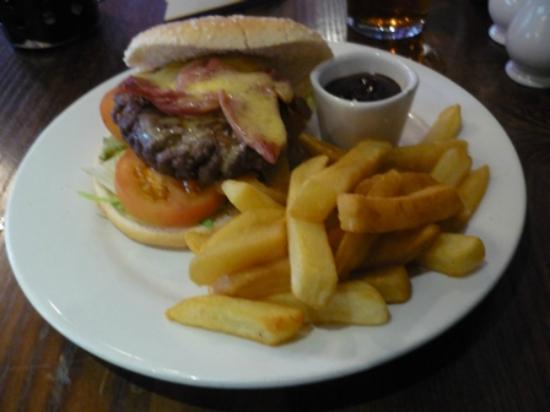 Bayswater Arms: Mein Burger mit Cheese and bacon