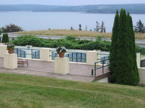Digby Pines Golf Resort & Spa: View of the pool