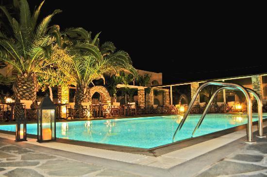 Christiana Hotel: Χώρος πισίνας