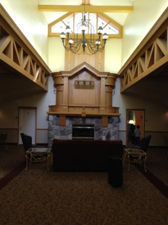 The Ridge: lobby