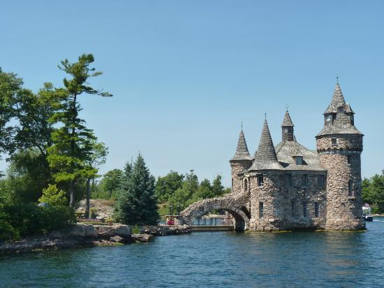 Gananoque Boat Line: Boldt castle