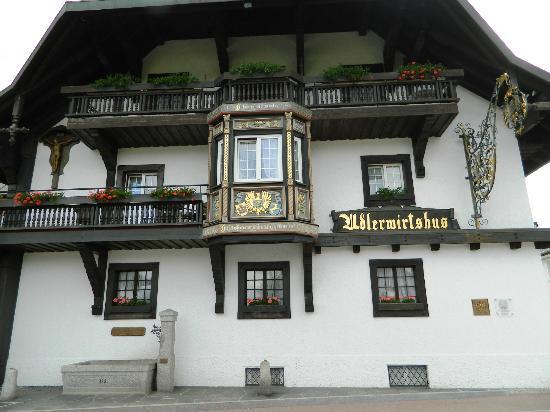 Hotel Adler Haeusern : hotel