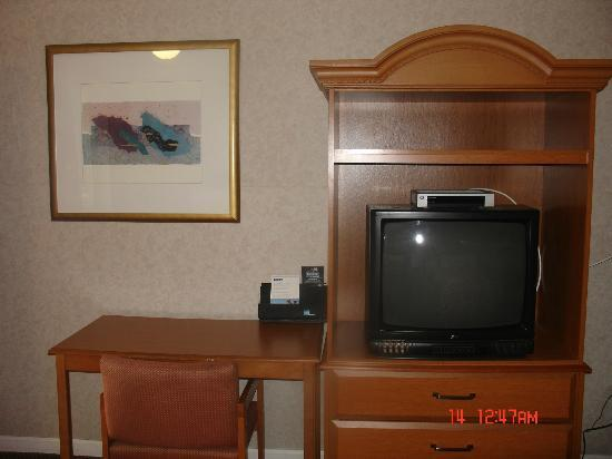 Travelodge Atlantic City: tv stand