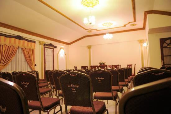 San Marino Royal Hotel: filename__salon_jpg_thumbnail0_jpg