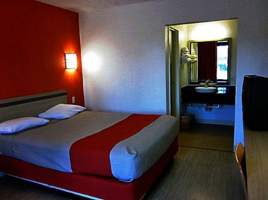 Motel 6 Russellville: MSingle