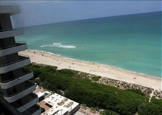Design Suites Miami Beach: ROOM 1424 (VIEW FROM WINDOW)