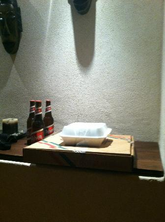 ‪‪Manala Hotel‬: delivered pizza, salad and beers from Tomate $25