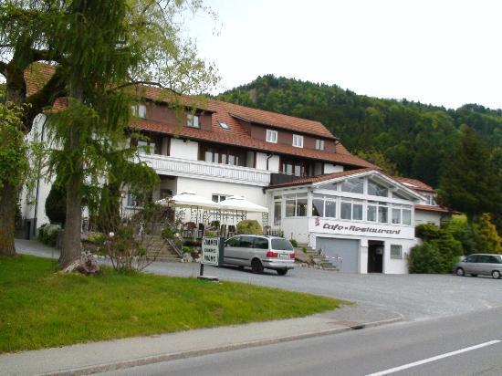 Landgasthof Seeblick: Front of hotel