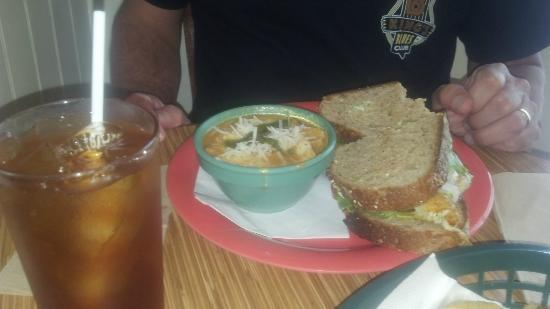 Fickle Pickle: Tomato Basil soup with Chicken and Avocodo sandwich