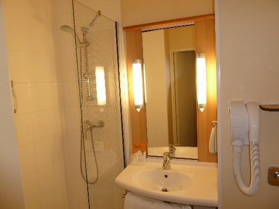 Ibis Bordeaux Centre Gare Saint Jean : Bathroom