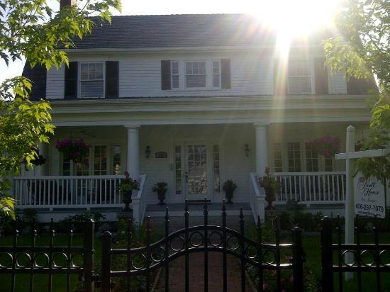 The 1908 Pruett House: A little slice of Heaven on Earth
