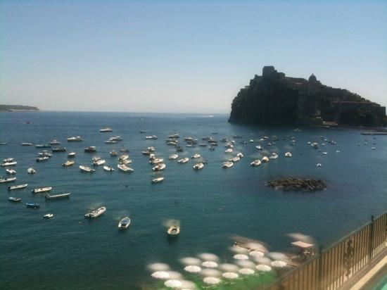 Miramare e Castello Hotel: dalla terrazza ... idromassaggio