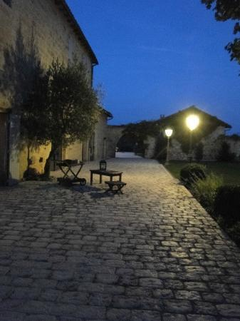 Coteau de Belpech : la terrasse le soir