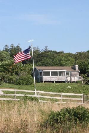 Menemsha Inn and Cottages : Menemsha Inns Flag