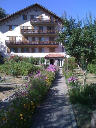 Albergo Erosa - See and ski Tuscany: Ingresso dell'Hotel Parco Erosa
