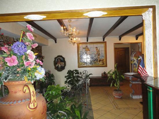 Hotel U Bais: un angolo dell'ingresso