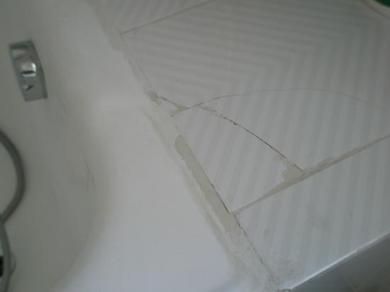 Piastrella rotta del bagno picture of delta hotel san donato