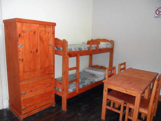 Habitaciones amplias y bien iluminadas con muebles de for Muebles 1 click opiniones