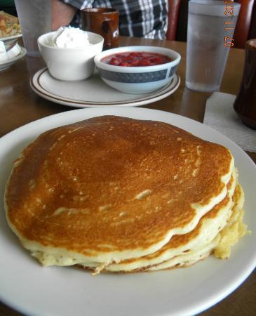 Beach Park, IL: Strawberry pancakes