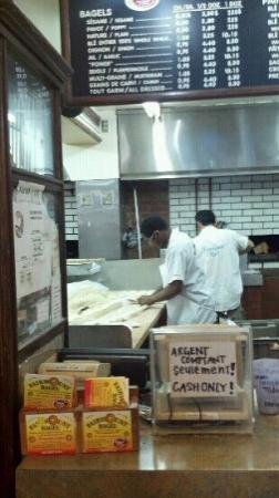 Fairmount Bagel : making bagels