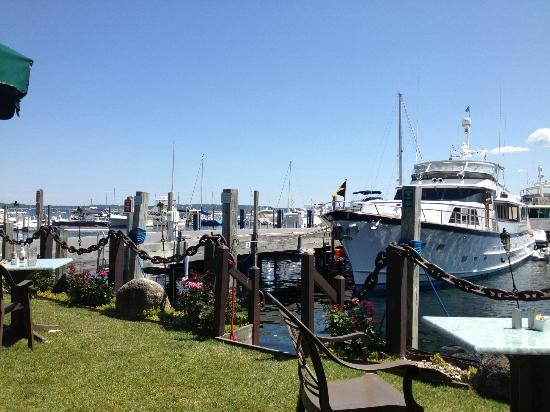 Stafford's Pier Restaurant: View of boats from Dudly's Deck
