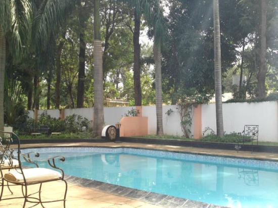 Salinero Kilimajaro Hotel: Pool area - there are also huge gardens