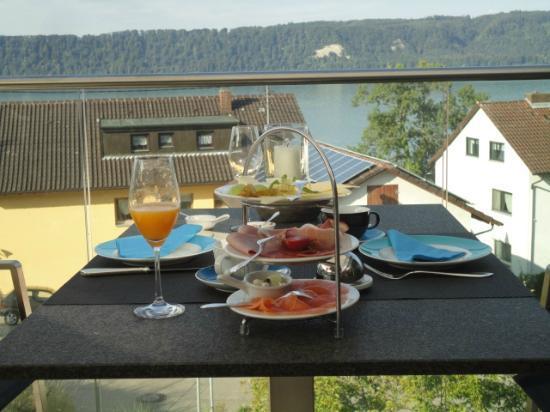 Lupinenhotel Bodensee: Breakfast in the Terrace