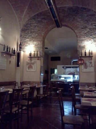 Pizzeria Amalfitana : la sala principale