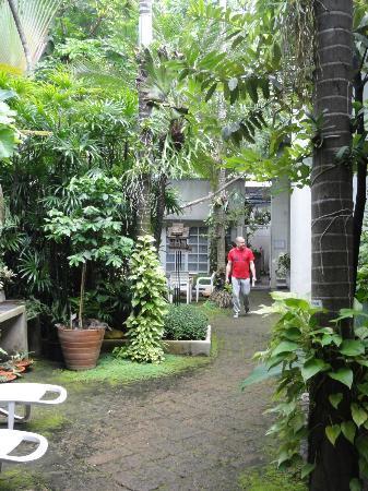 Babylon Bangkok: Garden